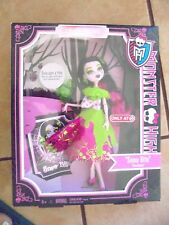 2012 MONSTER HIGH ONCE UPON A TIME SNOW BITE DRACULAURA TARGET SPECIAL DOLL NRFB