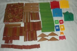 Lincoln Logs HUGH Lot 423 Pieces Total Wood Logs Roofs Chimney Green Flats +