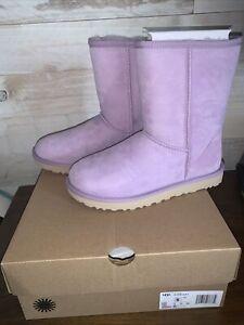 NIB UGG CLASSIC SHORT II SHEEPSKIN WOMEN'S BOOTS - Lilac Frost - SIZE 7