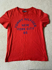 TOMMY HILFIGER BOYS RED T-SHIRT SZ 164 ( AGE 14-15 YEARS) - VGC