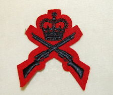 Canada Qualification Badge Crown/Crossed Rifles Red/Blk