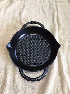 Staub #24 Round Double Handle Grill Pan Cast Iron Enamel France Hexagon Bottom