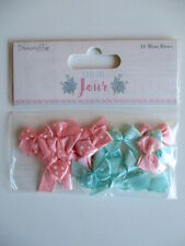 Dovecraft Couture Du Jour - 16 Mini Bows - satin polka dot - pink & green