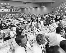 LAUNCH CONTROL TEAM AT KENNEDY SPACE CENTER WATCH APOLLO 11  8X10 PHOTO (AA-816)
