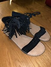 Minnetonka Black Fringe Sandals Women's Size 6