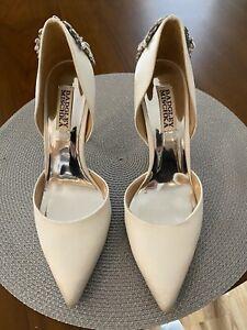 Badgley Mischka Collection Vogue White Satin Crystal Embellished d'Orsay Pump
