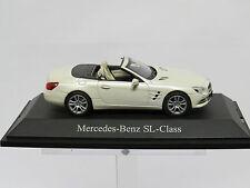 Mercedes Benz SL-Klasse 1/43 Diamond white metallic B66960104