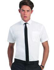 Klassische Kurzarm Herrenhemden mit Kentkragen aus Baumwollmischung