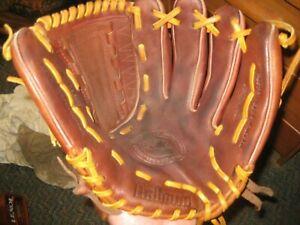 "12"" Nokona NOK1200 PROHIDE Handcrafted Series Softball/Baseball Glove"