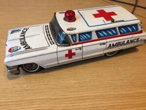 Yonezawa Cadillac Ambulance Krankenwagen Blechspielzeug Modell 60er Jahre