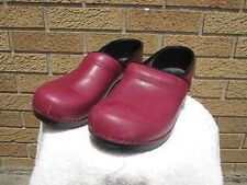 DANSKO Poland Stapled Fuchsia Red Leather Professional Clogs Shoes 42 11 1/2