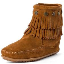 Botas de mujer Minnetonka color principal marrón