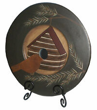 ~~ONE (1) PRIMITIVE COLLECTIBLE DECOR PLATE WITH BIRDHOUSE & METAL BIRD ACCENT!~