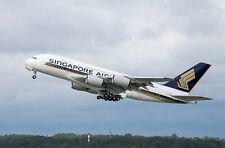 Huge Airbus A380 Singapore Airlines desktop model approx 47 cms long