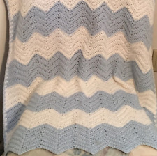 Crochet Baby Blanket White/Bl Stripe Pattern