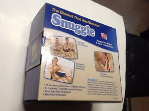 NWOT Snuggie Plaid Blanket With Sleeves One Size