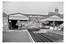 bb1113 - Brentford Central Railway Station , Middlesex in 1961 - photograph