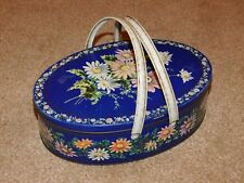 HUNTLEY & PALMER BLUE DAISIES BISCUIT TIN WITH 2 HANDLES SEWING BOX c1967