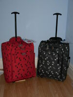 Super Lightweight Hand Luggage Cabin Trolley Case In Hats And Shoes.