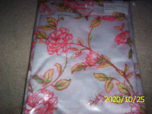 "SET OF 2 SATIN PILLOWCASES STANDARD SIZE (20"" X 30"") NEW - PILLOW CASE CASES"