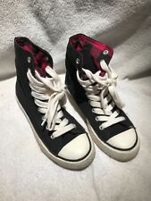 FOREVER 21 NAVY BLACK WITH RED HIGH TOP ATHLETIC SHOES - SIZE WOMEN'S 6 Used