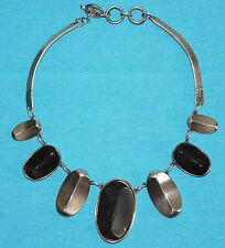 collier ras de cou LA TRIBU RIGAUX métal argenté et résine façon bois