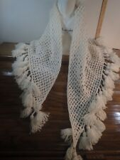 VINTAGE WHITE HAND KNITTED TRIANGULAR WOOL WRAP STOLE SCARF WITH FRINGES