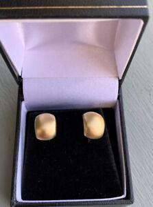 18ct Gold Matt Small Huggie Earrings