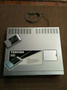 VINTAGE  TOSHIBA VINTAGE VCR WITH ORIGINAL REMOTE NICE CONDITION AS IS