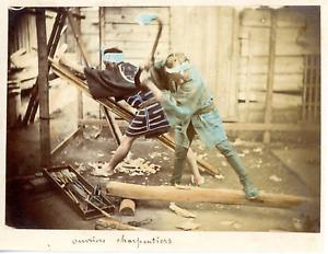 Asie, ouvriers charpentiers Vintage albumen print, Tirage albuminé aquarellé