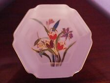 FAB VINTAGE JAPANESE PORCELAIN HEXAGONAL MANY FLOWERS DESIGN PLATE 19 CMS DIA