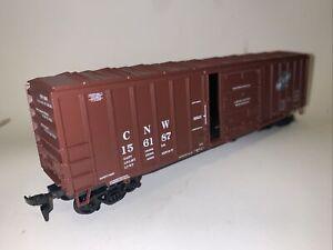 Athearn HO Scale Chicago & Northwestern 50' Modern Box Car