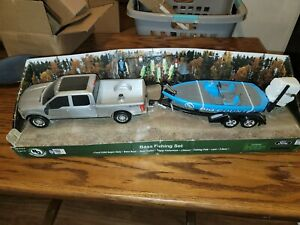 Big Country Toys Ford F250 Bass Fishing Boat Trailer SET 1:20 Evinrude Outboard