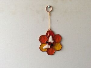 Honeycomb Flower With Bee Sun Catcher (16)