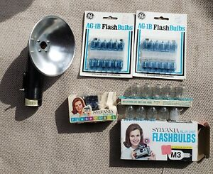 Lot of Flash Bulbs-Ag-1B, M3, Sylvania Flash Cubes + Argus Flash Attachment