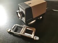 Portable Accura Portable Slide Projector - Vintage Powers On Original Box Japan