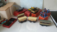 COLLECTION VINTAGE - HORNBY- O GAUGE COACHES - WAGONS MODEL RAILWAY  MANY BOXED