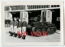 WWII ORIGINAL GERMAN PHOTO TANK'S CREW CLOSE TANK / PANZER