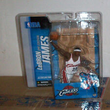 McFARLANE NBA 7 LEBRON JAMES VARIANT CHASE ACTION FIGURE CLEVELAND CAVALIERS