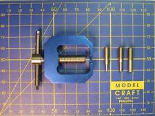 Extracteur de roue ou pignon avec axe 2-3-4  mm pour modélisme train 0 HO N...