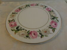ROYAL WORCESTER ROYAL GARDEN ELGAR CAKE / CHEESE PLATE - white and pink roses