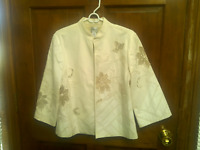 CHICO'S SZ 1  IVORY BROCADE FLORAL EYELET EMBROIDERY LINED JACKET