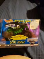 Hot Wheels Monster Truck Grave Digger Rev n' Go 2001 Brand New NIB