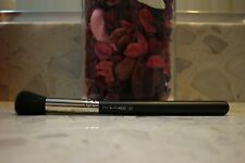 MAC 109 Small Contour Brush **Brand new, authentic (highlighter blush brush)
