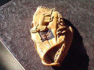 """Louisville Slugger Steve Garvey LSG34 12"""" Leather Baseball Glove for RH Thrower"""