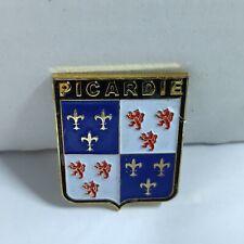 Broche Insigne Ecusson Drapeaux Picardie Nord France Manche Amiens B09