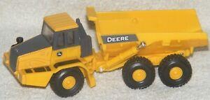 Ertl John Deere 400D Articulated Dump Truck 1/60 Scale