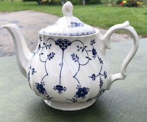 Churchill England China FINLANDIA Pattern Blue Floral Teapot Tea Pot Vintage
