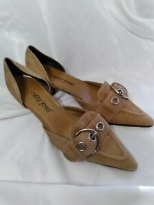 Cathy Jean Tan Leather Kitten Heel with buckle and pointed toe Shoes US 6.5