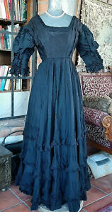 ANTIQUE 1900s Victorian Edwardian Goth Black Mourning Dress Gown Wearable MED sz